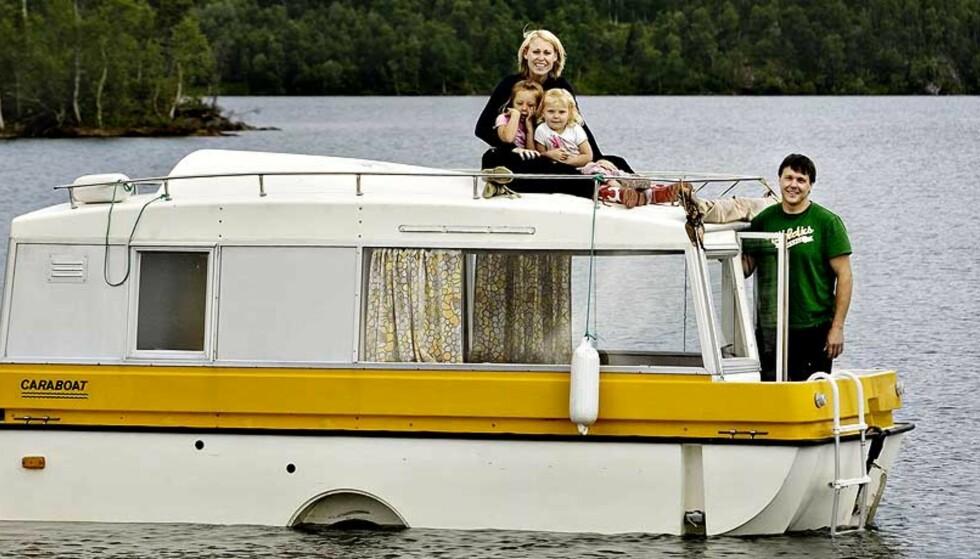 KULEST I LANDET HER: - Hadde jeg sett Caraboaten på vannet, hadde jeg stoppet opp og tatt bilde av den, sier campinginspektøren Tron Næss. Foto: ADRIAN ØHRN JOHANSEN