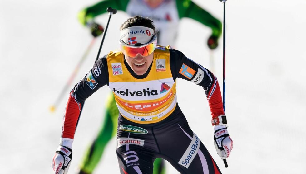 MOSTE KONKURRENTENE: Heidi Weng viste muskler og vant foran Marit Bjørgen og Ingvild Flugstad Østberg i Frankrike i formiddag. Foto: NTB Scanpix