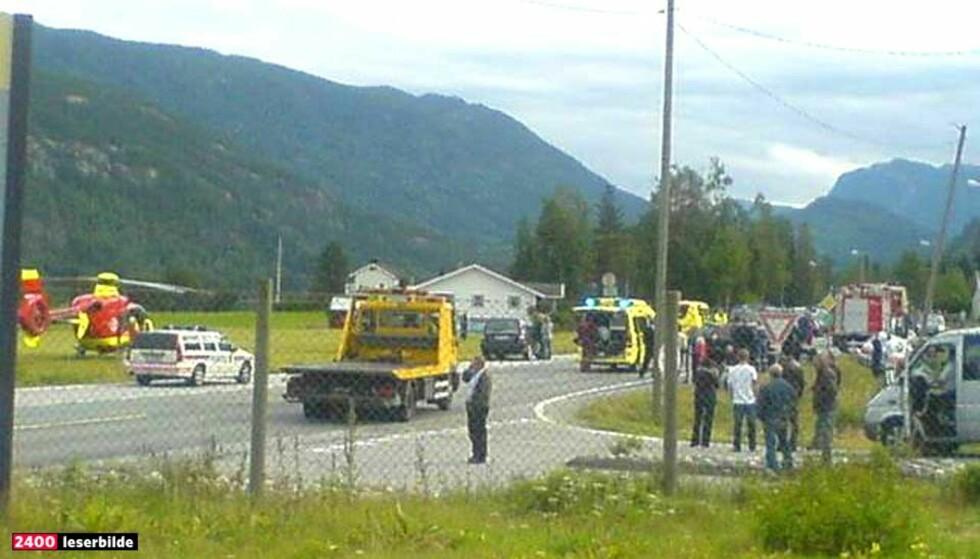 NI SKADD:  Ni personer ble skadd i en frontkollisjon på Nesbyen i dag. Foto: Christine Lien Dahl