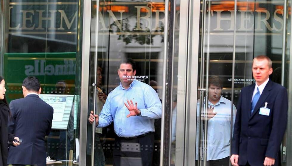 KRISE: Ansatte i  Lehman Brothers hadde nok å tenke på i dag. Foto: SCANPIX