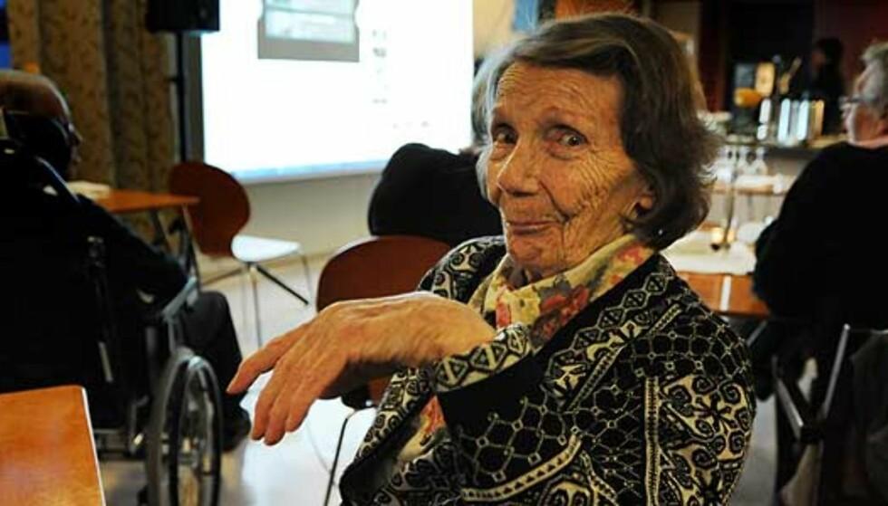 Ingrid (92) festet med «Husker du» på YouTube