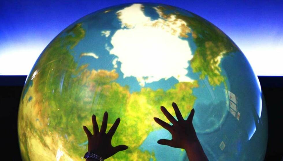 KLIMASYNDENE KOSTER: Du og jeg bør betale 12 000 kroner hver for å bøte på klimaødeleggelsene vi har påført kloden. Foto: Scanpix