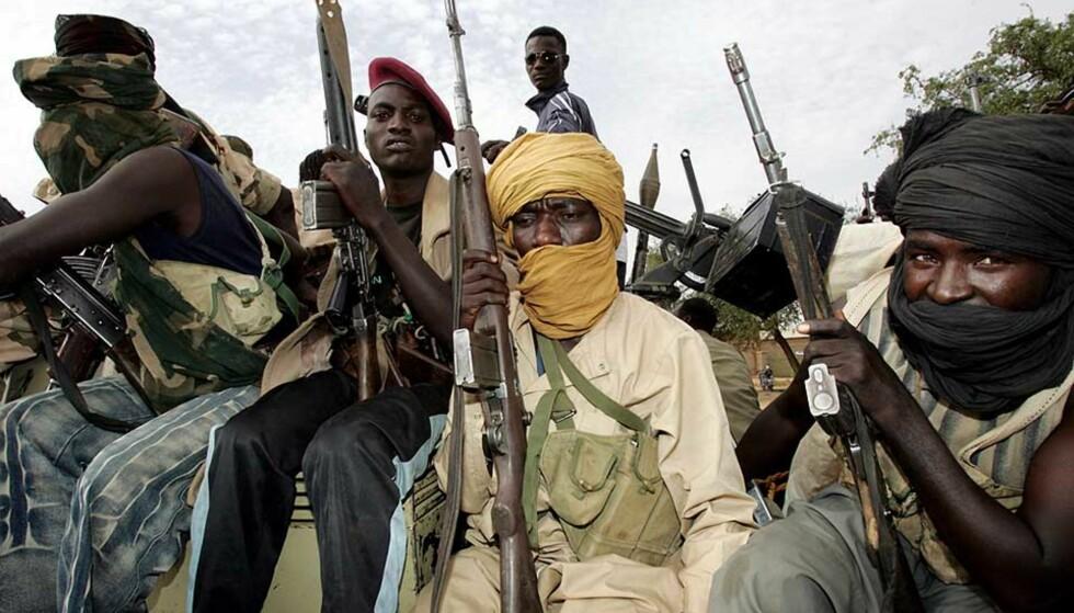 <strong><b>UTFORDRING:</strong></b> Medlemmer av Sudans frigjøringshær (SLA) er blant de mange utfordringene for de norske soldatene som skal sendes til Tsjad. Foto: ASHRAF SHAZLY/AFP/SCANPIX