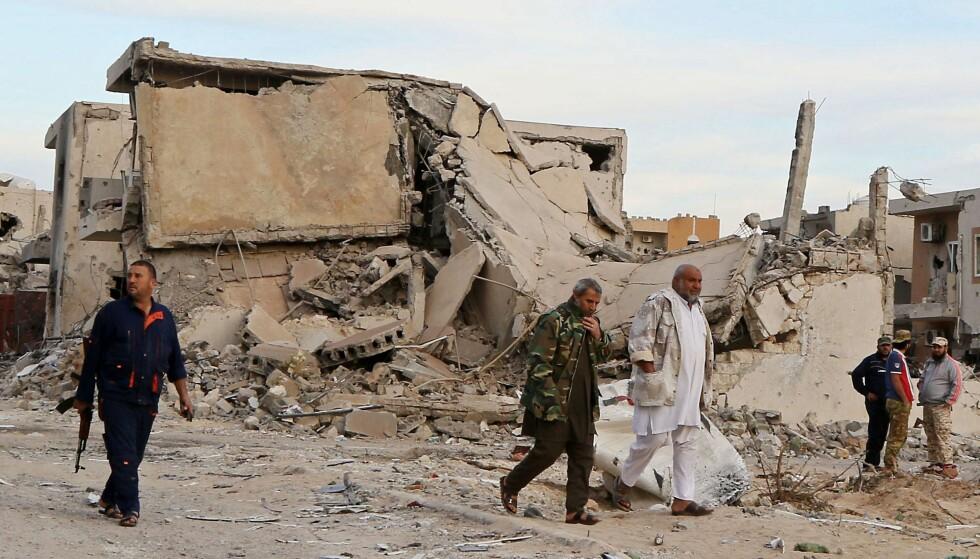 KONTROLL: Etter massive kamper har militsstyrker lojale til den FN-støttede  regjeringen i Tripoli klart å drive IS ut av kystbyen Sirte. Amerikanske fly har gitt luftstøtte. Foto: AFP