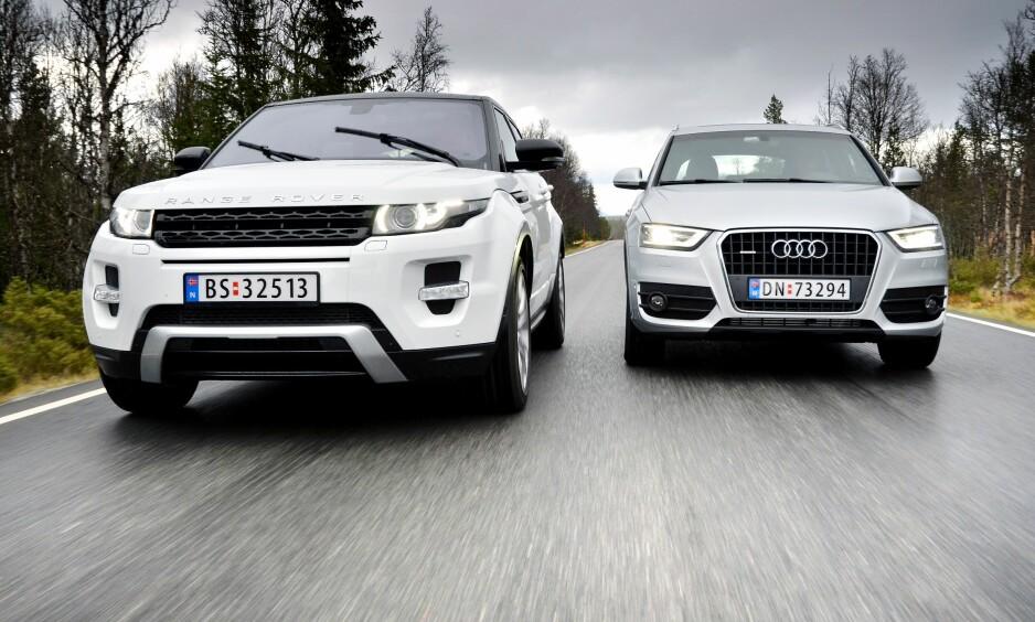 BRUKTE FAVORITTER: Range Rover Evoque (t.v) og Audi Q3 er to populære såkale crossovers - eller små SUV-er. Nå har de vært på markedet såpass lenge at det er mulig å kjøpe brukte utgaver til en hyggelig pris. Vi har testet dem mot hverandre og kårer en vinner. Alle foto: Stein Inge Stølen