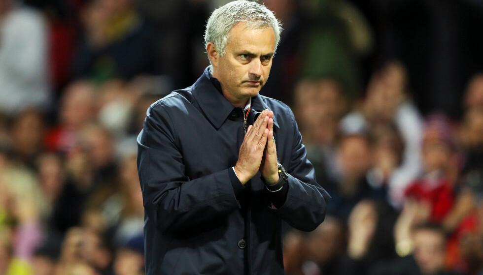 IKKE FORNØYD: Jose Mourinho sier klubben er overbooket på flere plasser. Foto: NTB Scanpix