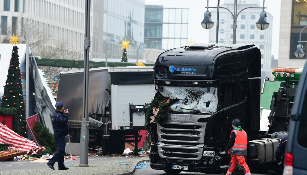 PÅGREPET: Tysk politi har pågrepet en person i forbindelse med terrorangrepet i Berlin. Foto: AFP PHOTO / Tobias SCHWARZ