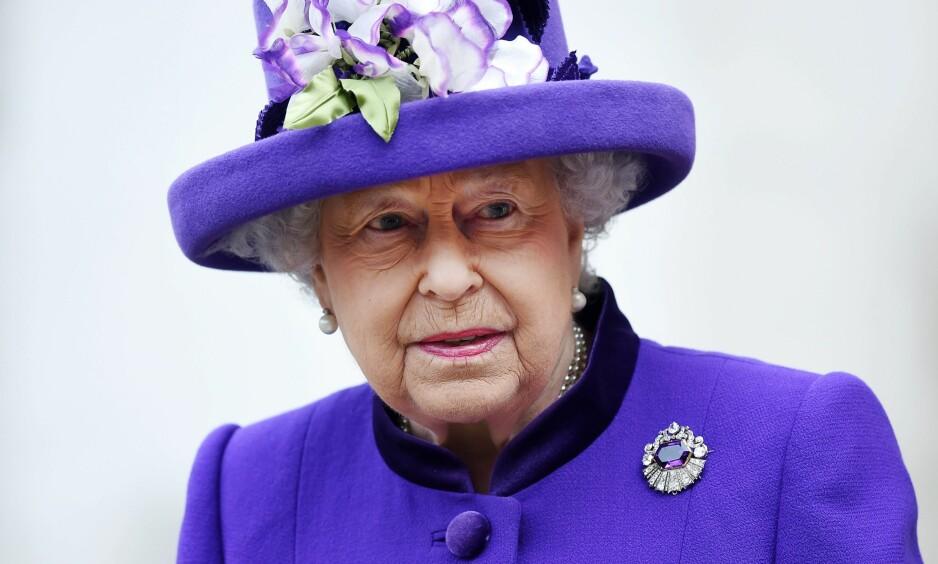 FEIRER LIKEVEL: Dagen etter det ble kjent at dronning Elizabeth droppet julefeiringen på Sandringham, opplyser Buckingham Palace at det nå er endring i planene. Foto: EPA/ANDY RAIN