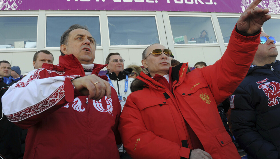 RASER: Vitali Mutko (t.v.). Her sammen med president Vladimir Putin. Foto: NTB Scanpix