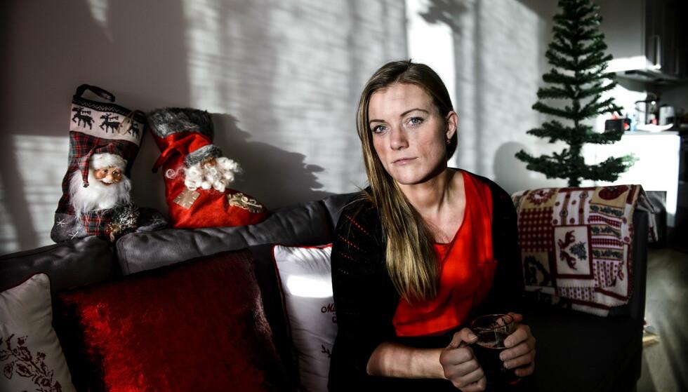 GRUET SEG TIL JUL: Veronica Rolid opplevde som barn at alkoholen tok for stor plass i julen. I mange år stod hun over julefeiringen. I dag som voksen tar hun julen tilbake. Foto: John T. Pedersen / Dagbladet