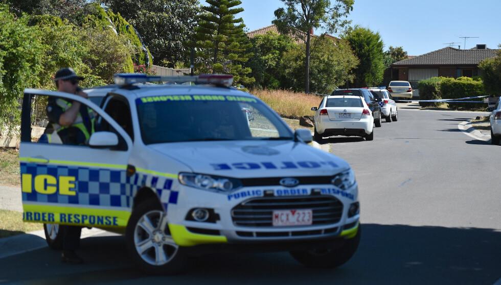 RAZZIA: Lille julaften lokale tid slo australsk politi til mot flere adresser i Melbourne. Foto:AAP / Julian Smith / via REUTERS / NTB scanpix