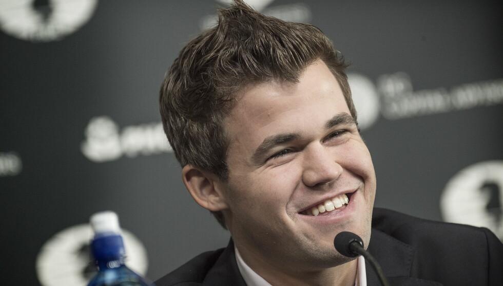 NY STORBY: Magnus Carlsen forsvarte VM-tittelen mot Sergej Karjakin i New York i fjor. Neste år møter han en ny utfordrer i London. Foto: Hans Arne Vedlog / Dagbladet