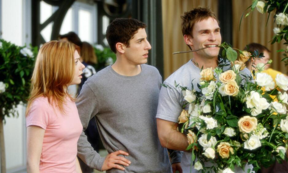 STOR ROLLE: Seann William Scott (t.h) ble verdensberømt gjennom «American Pie»-filmene. Her avbildet i filmen «American Wedding» sammen med motspillerne Alyson Hannigan og Jason Biggs. Foto: NTB scanpix