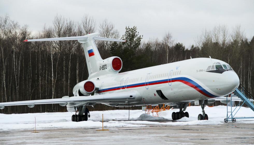 ULYKKESFLYET: Dette bildet skal vise ulykkesflyet av typen Tu-154 som styrtet i Svartehavet søndag morgen. Det er ingen tegn til overlevende blant de 92 passasjeree om bord. Foto:Dmitry Petrochenko/AP/NTB Scanpix