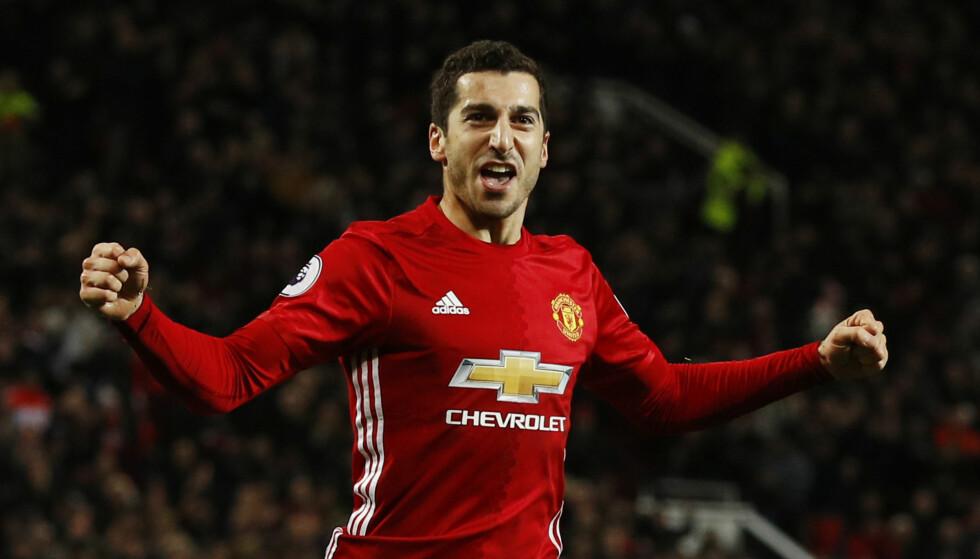 PERLESCORING: Henrik Mkhitaryan leverte en god kandidat til årets mål mot Sunderland, men reprisene viste at det skulle vært blåst for offside. Foto: Reuters / Phil Noble Livepic / NTB Scanpix