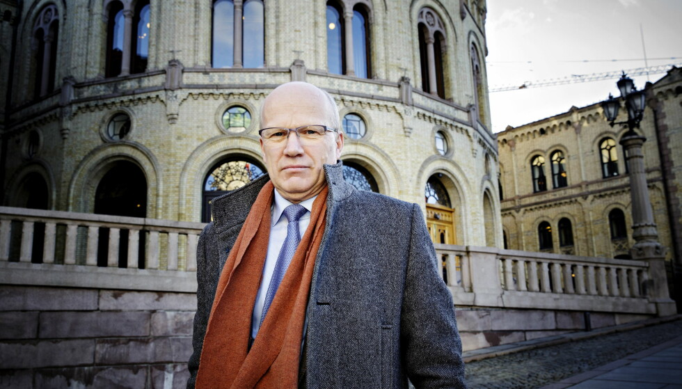 VEKKER: - Når og hvor kom denne vekkeren? Jette F. Christensen (Ap) spør Hårek Elvenes (H). Foto: Nina Hansen / Dagbladet