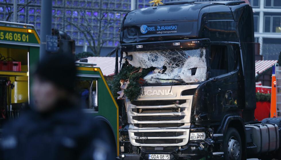 Lastebilen som ble brukt under angrepet mot et julemarked i Berlin. Foto: Hannibal Hanschke / Reuters / NTB scanpix.