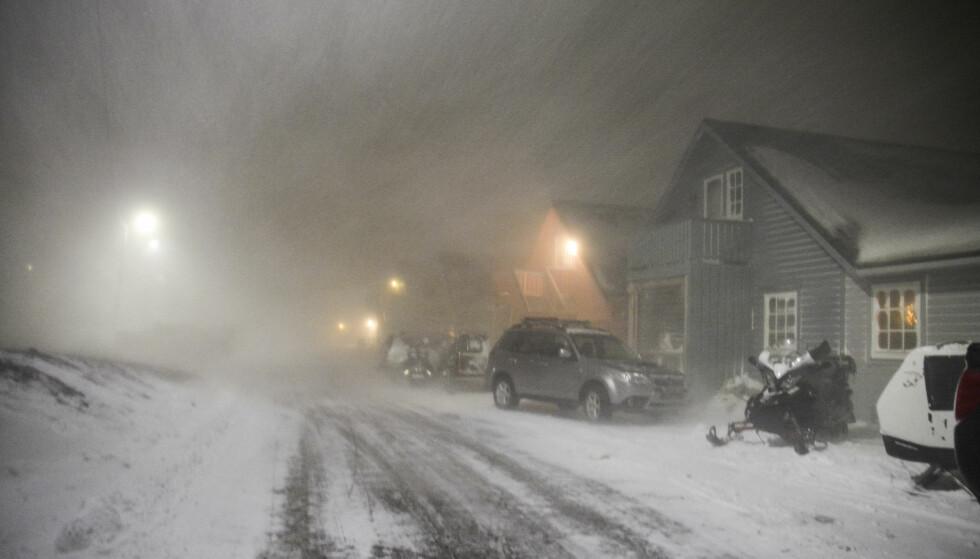 FORTSATT SKREDFARE, MEN IKKE FOR FOLK: Evakuerte kan torsdag flytte hjem igjen på Svalbard. Foto: Torgeir Prytz, NTB Scanpix.