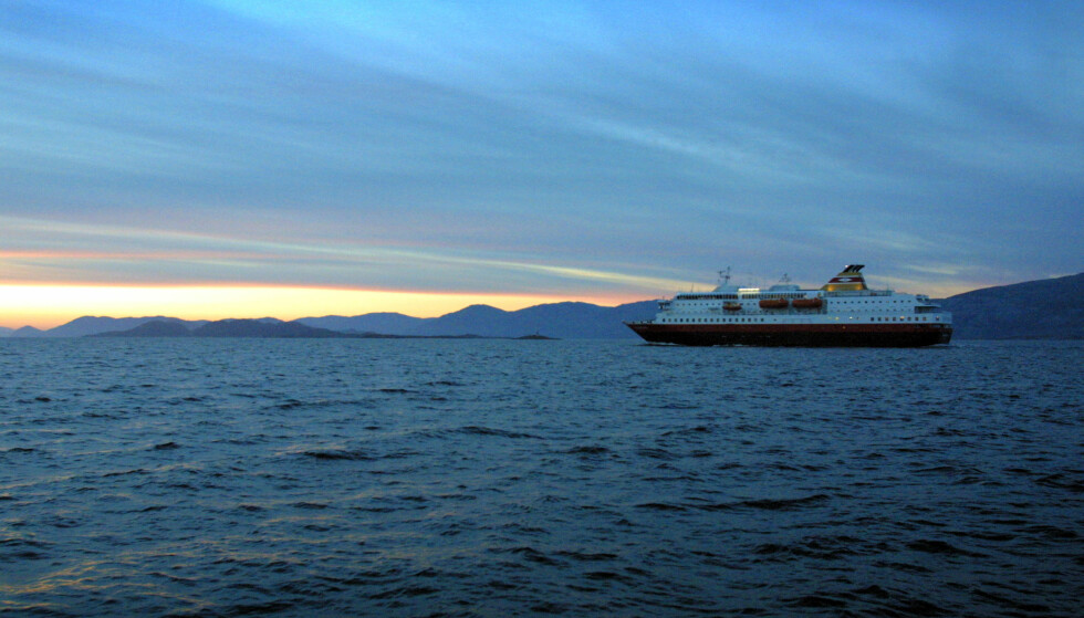 MÅTTE SNU: Hurtigruta Richard Withble tvunget til å snu da det var på vei til Ålesund i dag. Arkivfoto: Gorm Kallestad / SCANPIX