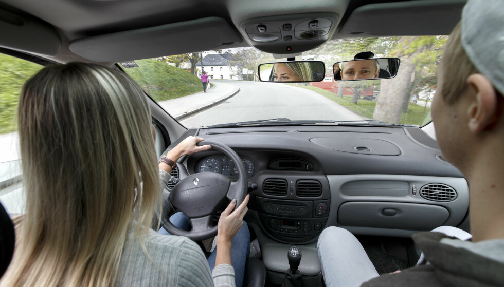FØRERKORT: Danske 17-åringer kan fra nyttår ta førerkort. Illustrasjonsbilde. Foto: NTB Scanpix