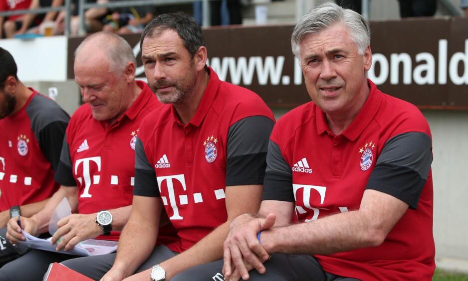 TRENERDUO: Carlo Ancelotti (t.h.) og assistent Paul Clement (i midten) har jobbet sammen i en rekke klubber. Nå er Clement på vei til Wales. Foto: AFP / dpa / Daniel Karmann / NTB Scanpix
