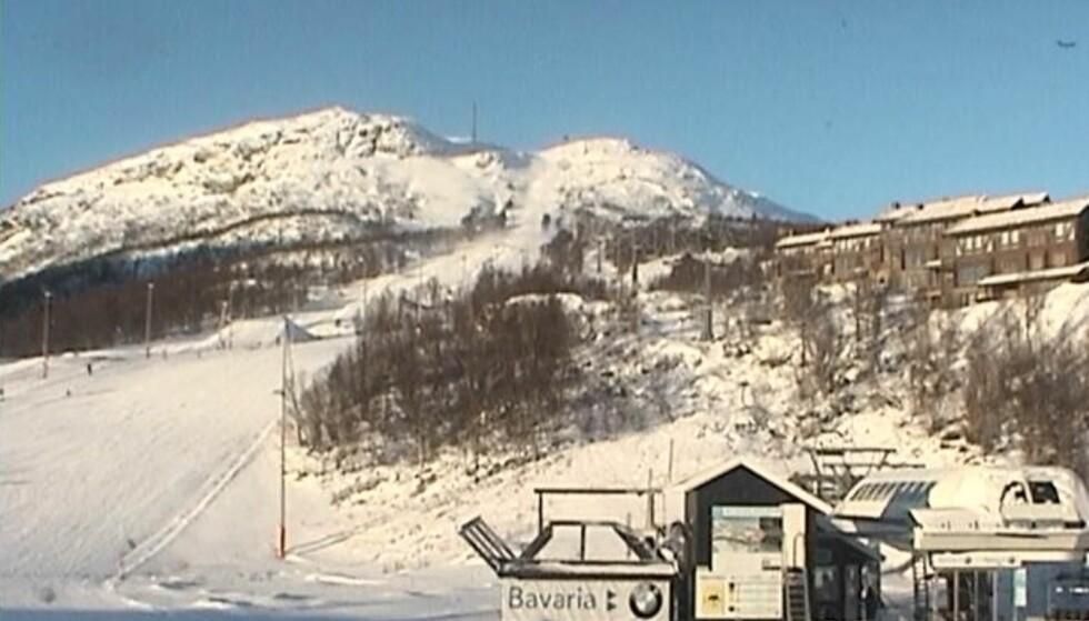 HOVDEN ALPINTSENTER: Bilde av skianlegget klokka 14.00. Foto: Skjermdump/Hovden.com