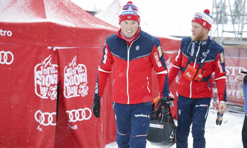 OVER FOR DENNE GANG: Emil Iversen kom seg såvidt i mål på dagens jaktstart og reiser hjem til Norge. Foto: Terje Pedersen / NTB Scanpix