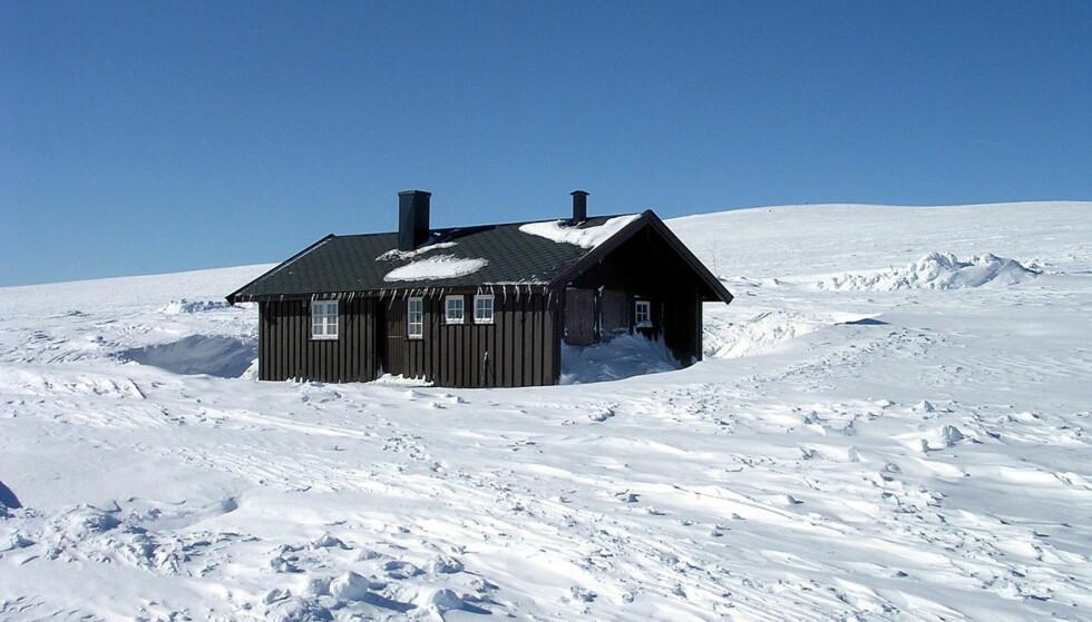 HYTTA: DNTs selvbetjente hytte på Lufsjå. Foto: Wikipedia / Public domain