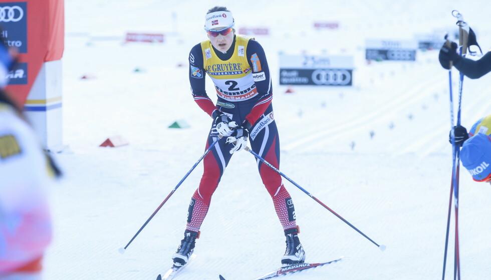 SÅ LANGT ETTER PALLEN: Ingvild Flugstad Østberg var langt nede etter fellesstarten i Tour de Ski i dag. Foto: Terje Pedersen / NTB Scanpix