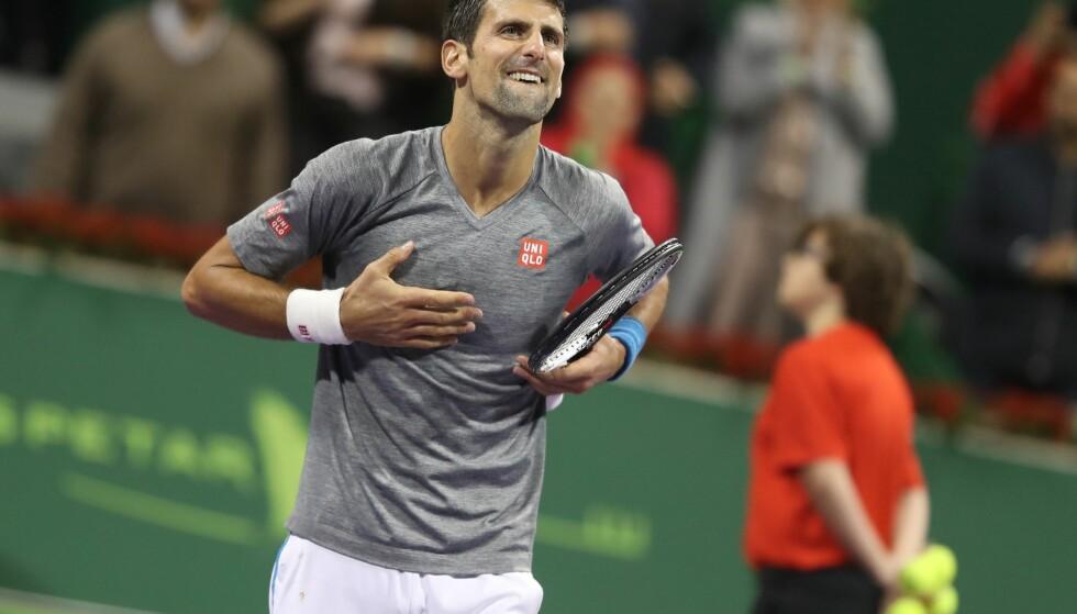 SLO TILBAKER: Novak Djokovic slo Andy Murray i tre sett i finalen i Qatar Open og revansjerte seg etter at skotten før jul skjøv ham ned fra toppen av verdensrankingen. Foto: AFP PHOTO / KARIM JAAFAR / NTB Scanpix