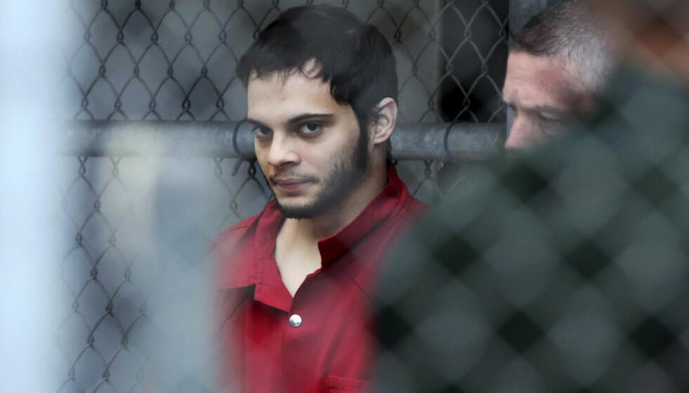 I RETTEN: Esteban Santiago ble i dag fraktet fra Broward County fengsel til rettslokalet i Fort Lauderdale. Foto: Amy Beth Bennett/South Florida Sun-Sentinel/AP/NTB Scanpix