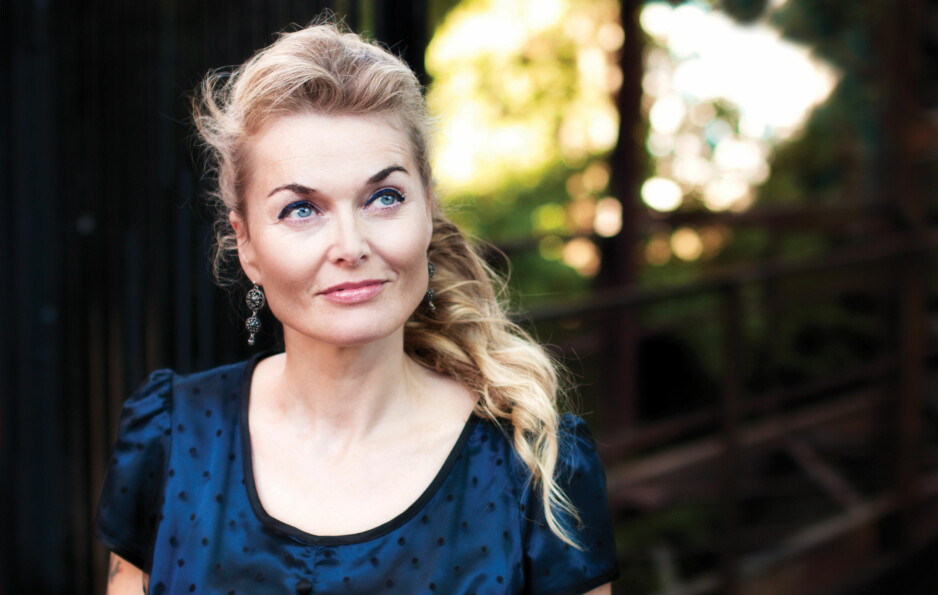 SOLO: Tove Bøygard gjør ikke skam på Åls gode musikktradisjon på sitt nye soloalbum, «Blåe drag». Foto: Christian Nystrøm