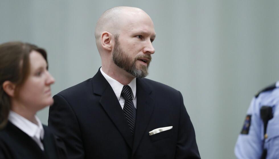 SAKSØKER: Terrorist Anders Behring Breivik (37) har saksøkt staten fordi han mener soningsregimet hans strider mot menneskerettighetene. Foto: Bjørn Langsem / Dagbladet