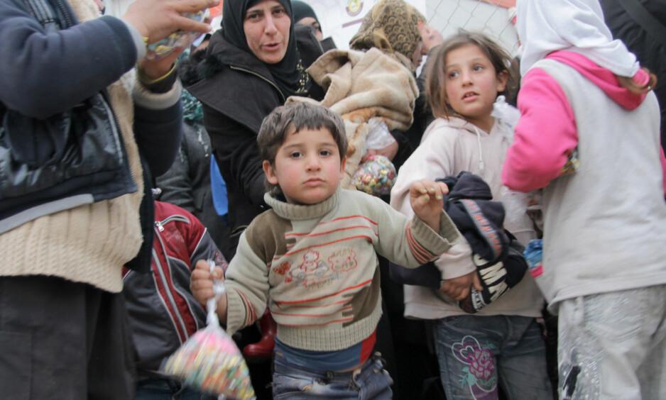 VERDENS STEBARN: Flyktninger fra Mosul lever under elendige kår og går en usikker framtid i møte. Foto: DPA/Scanpix NTB