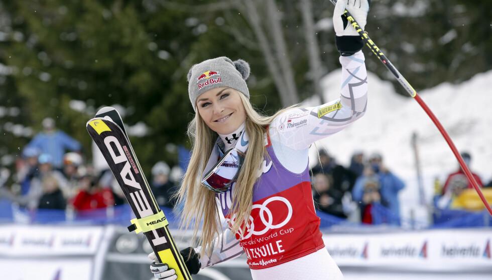 TILBAKE: Den amerikanske alpinstjernen Lindsey Vonn bekreftet onsdag at hun gjør comeback etter skade i helgens verdenscuprenn i Altenmarkt-Zauchensee.  Foto:AP Photo/Alessandro Trovati,