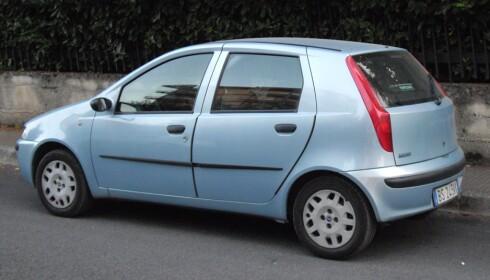 ÅRETS BIL 1995: Fiat Punto MK2 var det ypperste på bilfronten i 1995. Det året sendingene med DAB ble innført i Norge.