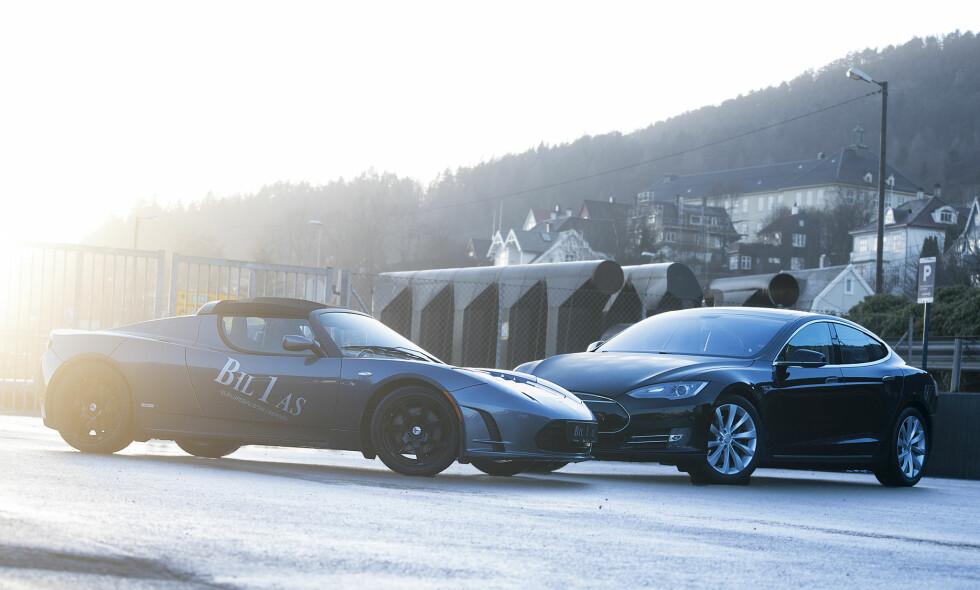SPENNING I HVERDAGEN: Mange tenker på én spesiell bil når man sier «Tesla», men det finnes flere utgaver. Vi har testet ut brukte utgaver og model S og Roadster - og har plukket ut vår favoritt. Foto: Kaj Alver