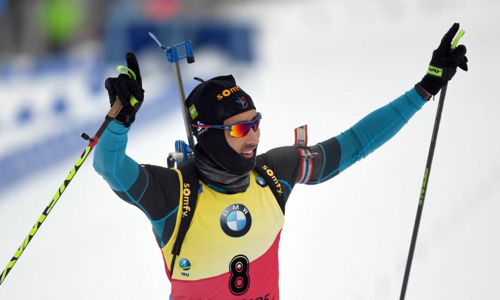SAMME REGLA: Martin Foucade har vi sett slik mange ganger. Som i Oberhof 6. januar, der dette bildet er tatt. Fredag var han helt suveren på sprinten i Rupholding. Foto: NTB Scanpix