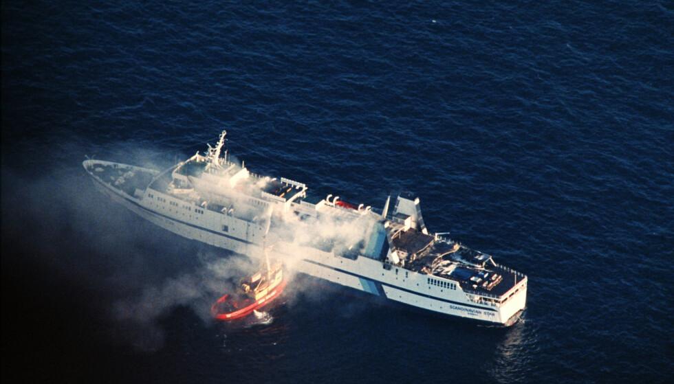 DØDSBRANN: 8. april 1990 begynte det å brenne på passasjerferja Scandinavian Star. 159 mennesker ble drept. Foto: Per Løchen / NTB