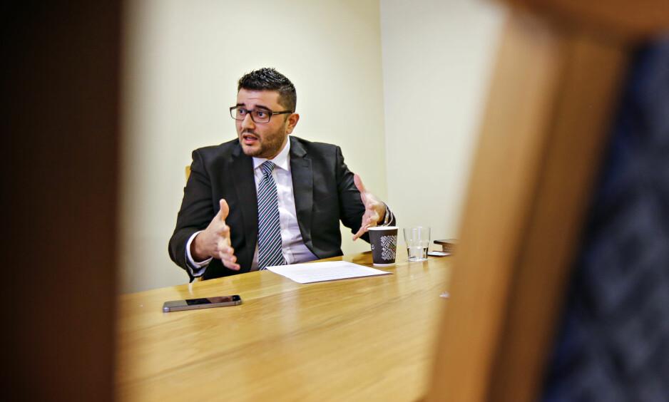 DAGENS LOVER: Frps innvandringspolitiske talsmann Mazyar Keshvari sier at dagens lover og regler gjelder fram til noe annet er vedtatt og iverksatt. Foto: Aftenposten / NTB Scanpix