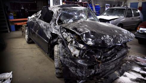 BILEN: Slik så bilen ut etter ulykken som tok livet av den 18 år gamle venninna. Foto: John Terje Pedersen / Dagbladet
