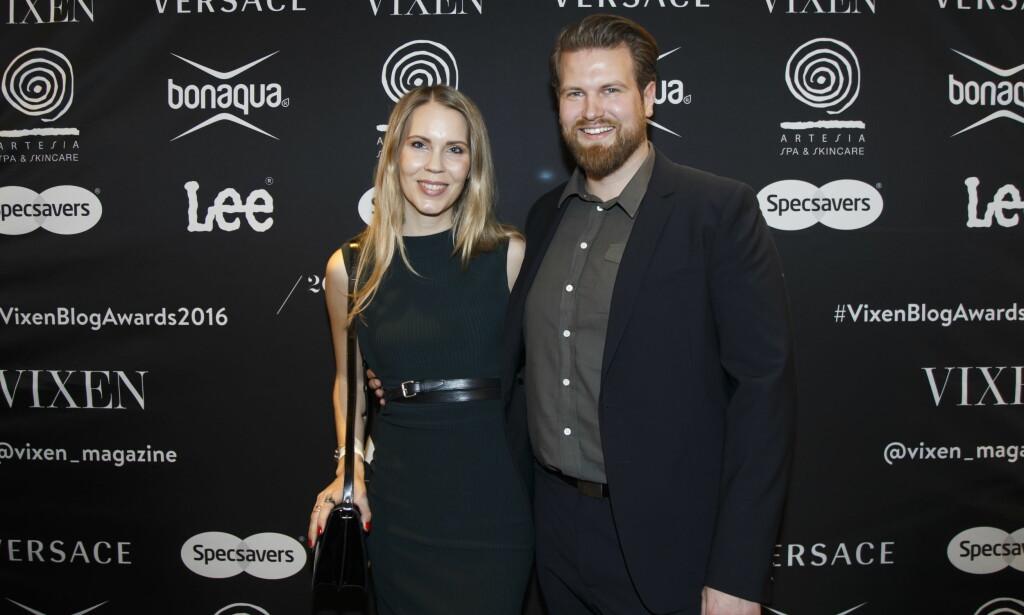 RØD LØPER: Bloggerne Anders Husa og Hedda Kaupang ankommer Vixen Blog Awards 2016 på Grand Hotel i Oslo torsdag kveld. Foto: Heiko Junge / NTB scanpix