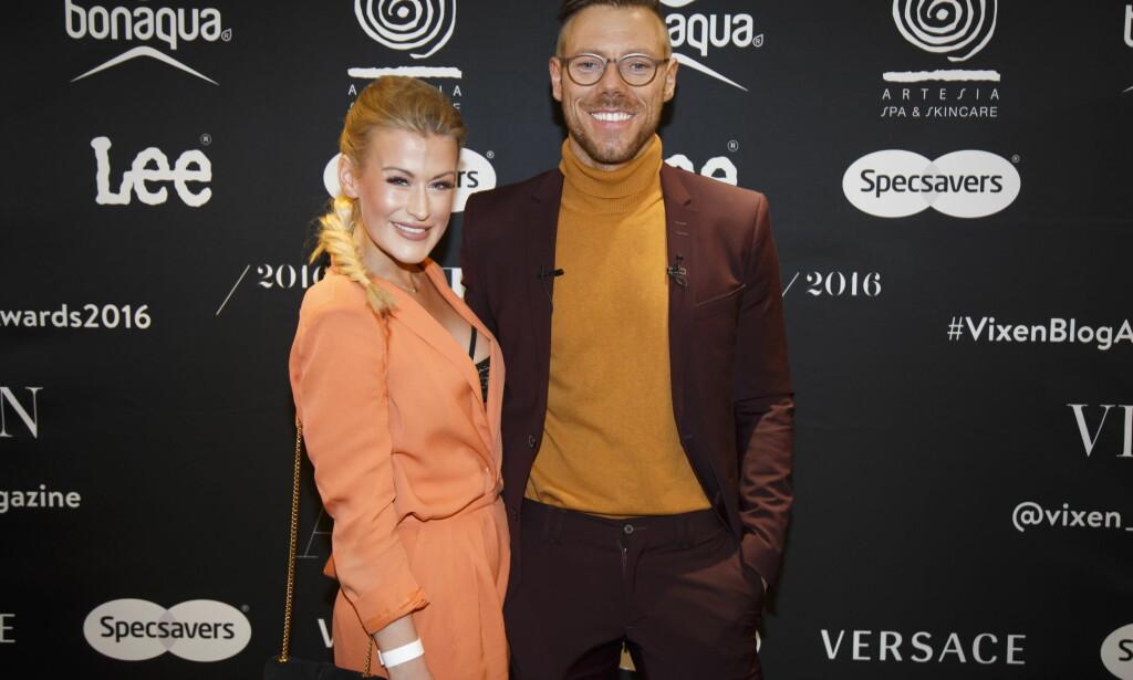 RØD LØPER: Espen Hilton og Lene Orvik ankommer Vixen Blog Awards 2016 på Grand Hotel i Oslo torsdag kveld. Foto: Heiko Junge / NTB scanpix