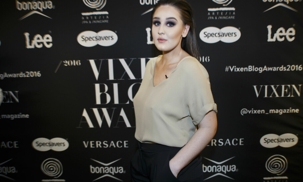 RESERVEANTREKK: Blogger Anna Rasmussen ankommer Vixen Blog Awards 2016 på Grand Hotel i Oslo torsdag kveld. Foto: Heiko Junge / NTB scanpix