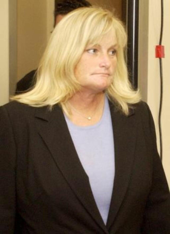 VIL IKKE KJEMPE: Debbie Rowe (50) vil ikke sloss med barnas bestemor om foreldreretten. Foto: EPA/AARON LAMBERT