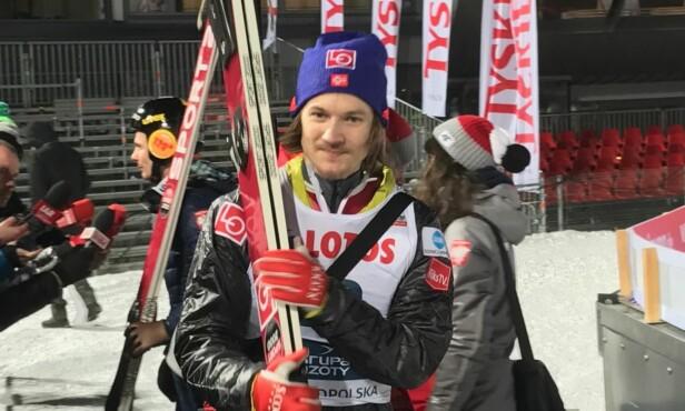 <strong>DAGENS MEST FORNØYDE:</strong> Tom Hilde kom på 10. plass i kvalifiseringen. Han er klar både for lørdagens lagkonkurranse og søndagens individuelle renn. FOTO: TORE ULRIK BRATLAND
