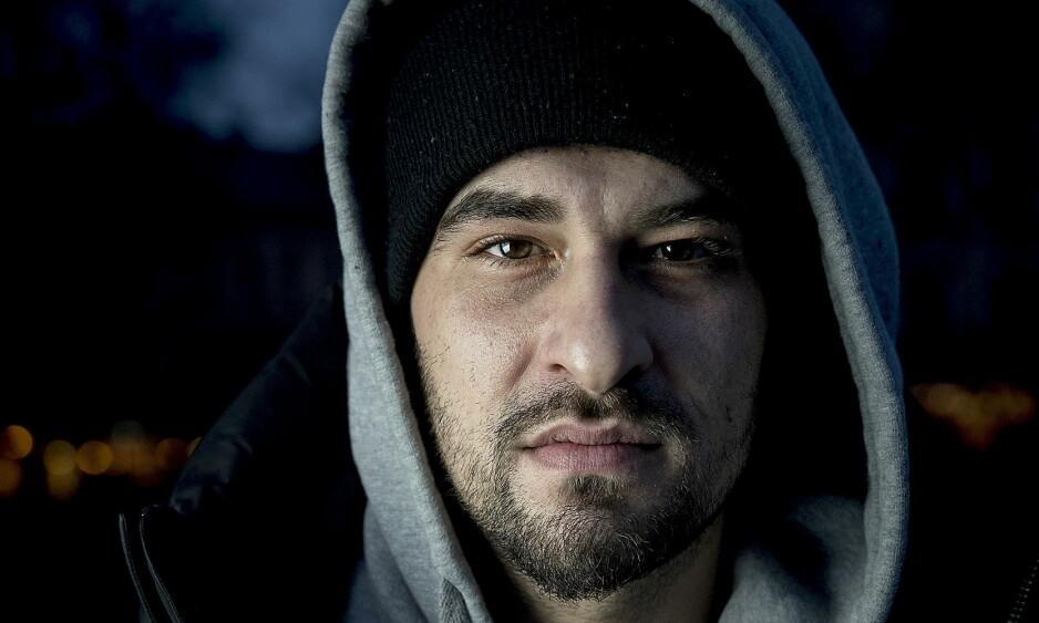 ENGASJERT: Leo Ajkic har brukt sin egen flyktninghistorie i mange møter med flyktninger. –Jeg tror mange så et håp i meg, sier han til Dagbladet.  Foto: Bjørn Langsem / Dagbladet