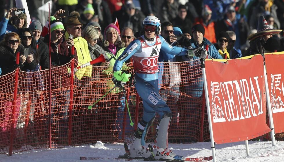 HELBOM: Det gikk skeis for Henrik Kristoffersen i sesongens siste renn. Foto: AP Photo/Shinichiro Tanaka / NTB Scanpix