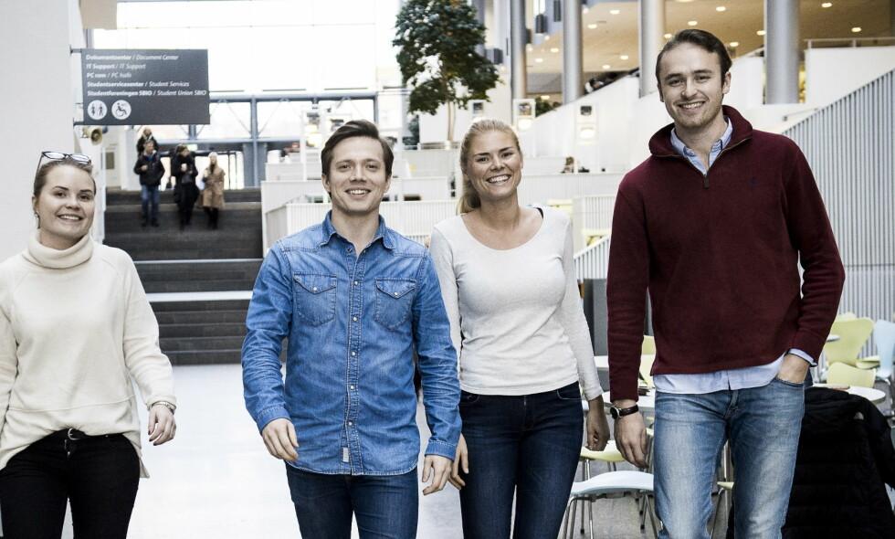 SNART I JOBB: BI-studentene Line Brevig, Andreas Berg Aslaksen, Oda Endresen og Hans Jacob Kavli tror de har justert forventningene til arbeidslivet <div>underveis i studiene. De er alle innstilt på at det blir hardt arbeid de første årene i jobb. FOTO: Lars Eivind Bones&nbsp;</div>