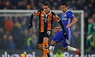 DEBUT: Omar Elabdellaoui klarte seg greit mot Pedro og Chelsea i Premier League-debuten. Foto: NTB Scanpix